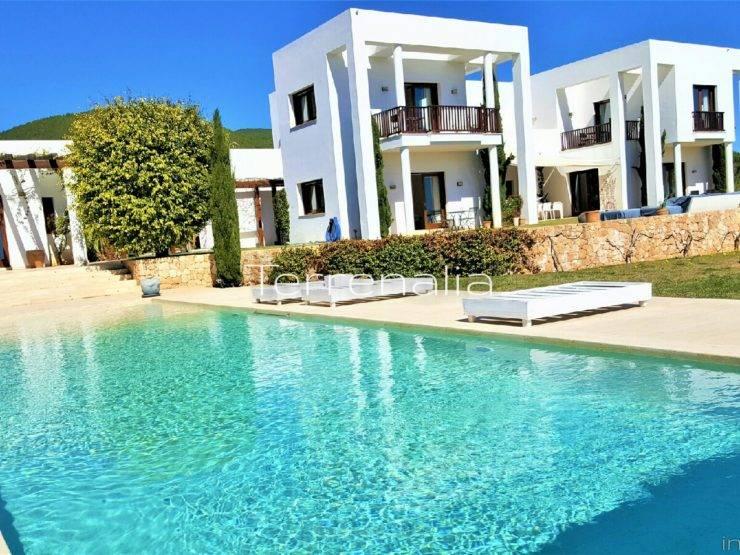 Moderna Villa en Alquiler Fengshui en San Carlos Ibiza