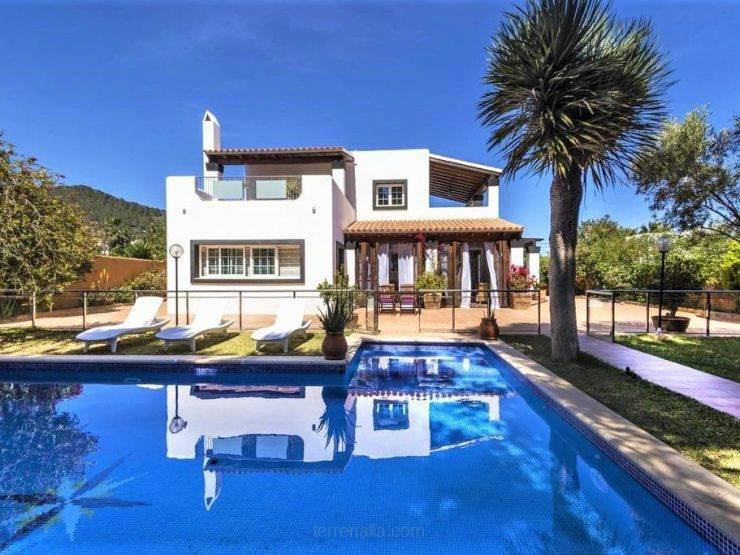 Acogedora Villa de 5 dormitorios en Venta en San Jordi, Ibiza