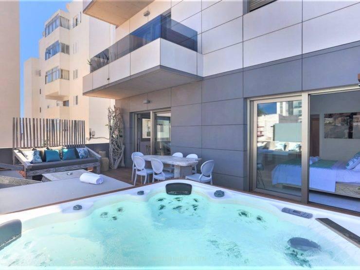 Magnificent Luxury Apartment in Playa d'en Bossa