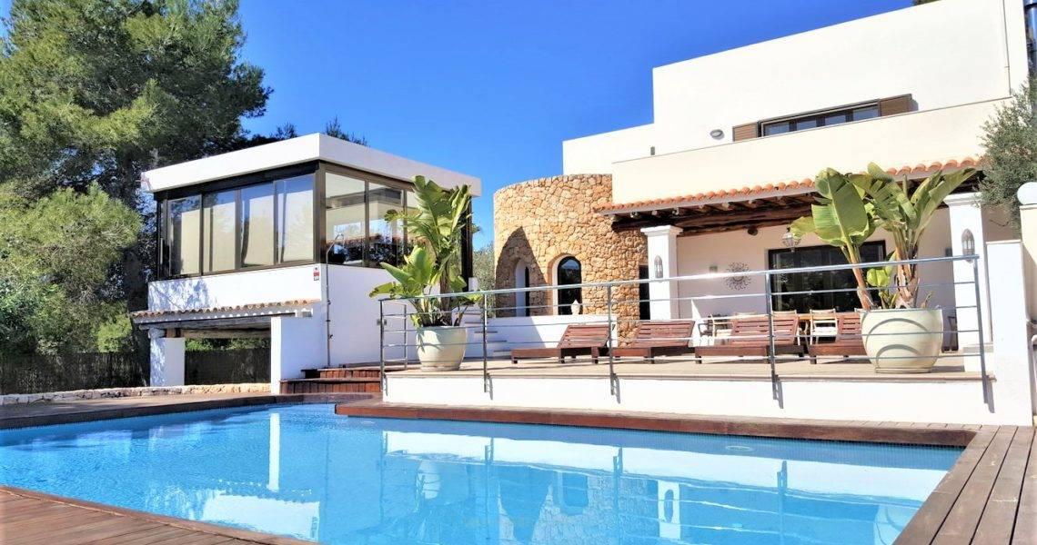 Elegante Villa Rústica en Santa Eulalia, Villa Garrey