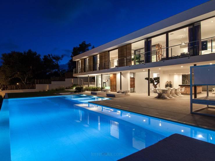 Impresionante Villa Emilio Con Estilo Contemporáneo