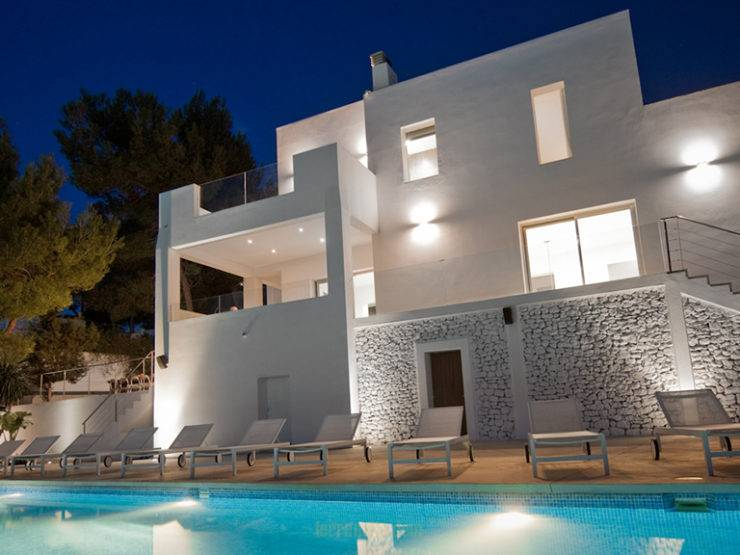 Spectacular villa Fabric  for your holidays in San Josep Area