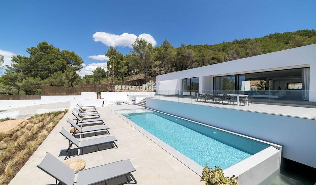 Lujosa Villa de Diseño al Más Alto Nivel. Villa Ofelia