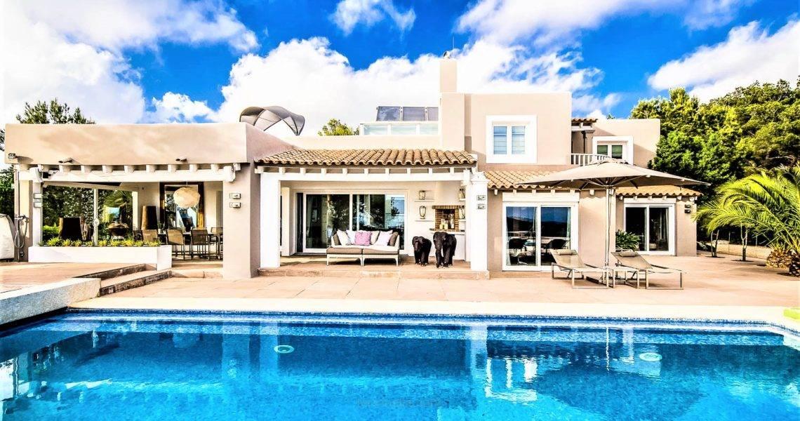 Villa fantástica en Escubell con vistas panorámicas.